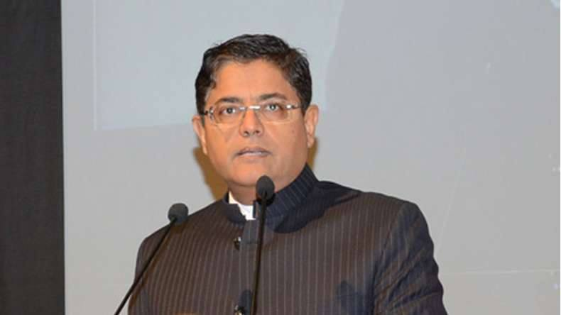 Naveen clips wings of Baijayant Panda