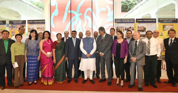 PM Narendra Modi addresses Indian Community in Philippines