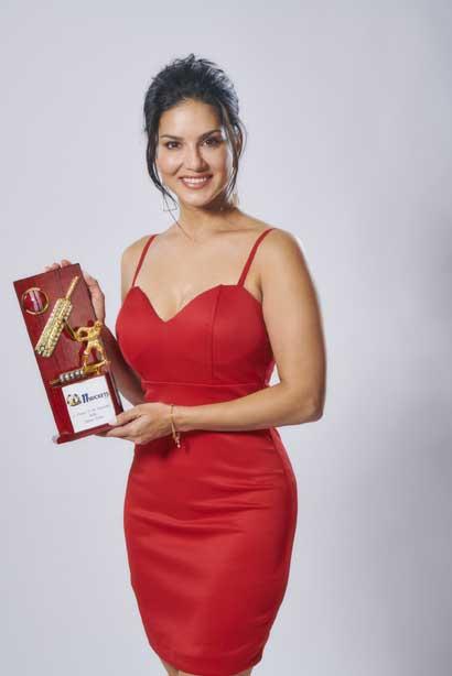 Sunny Leone Enjoy
