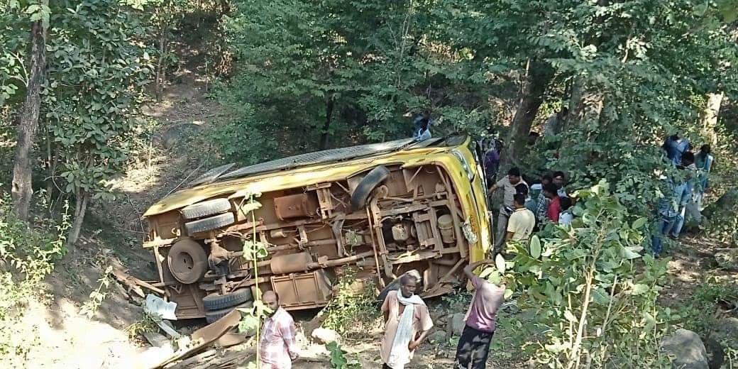 Odisha 3 Students Killed 5 Others Injured In Bus Accident In