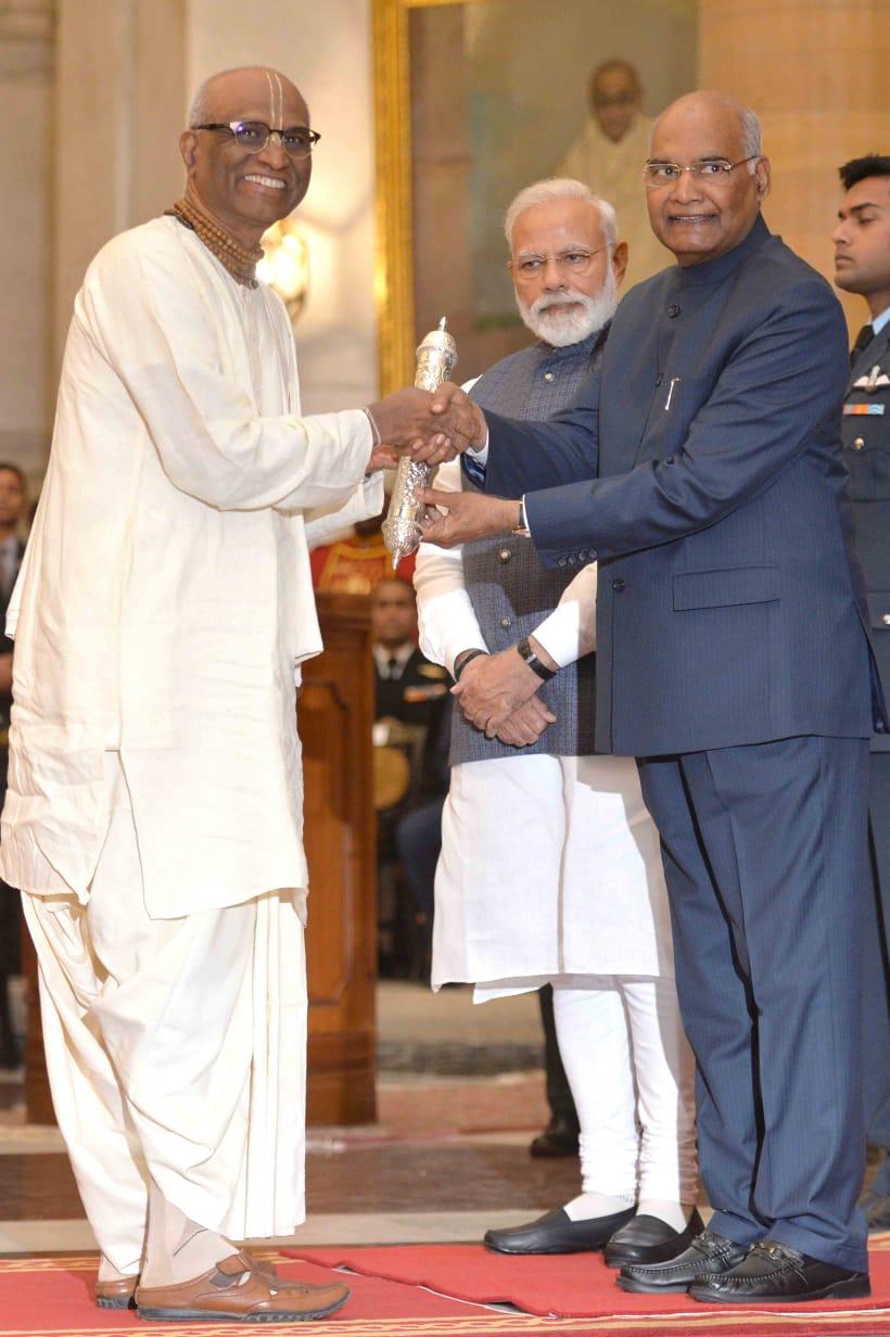 Image result for gandhi peace prize Akshaya patra foundation